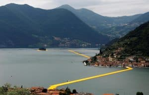 The-Floating-Piers-Christo-Lago-dIseo-12